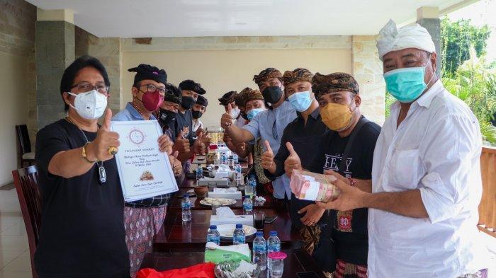 Paguyuban Seniman Bali Temui Giri Prasta Jelang Upacara Pamlepeh Jagat di Pura Dalem Ped Nusa Penida