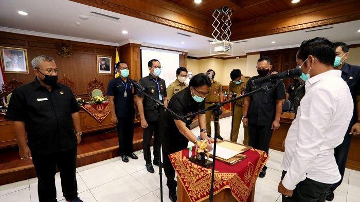 Bupati Giri Prasta Resmikan PAW Anggota BPD Mambal, Sibangkaja dan Pecatu