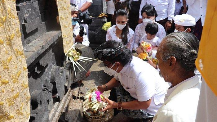 Bupati Giri Prasta Hadiri Karya Ngenteg Linggih di Pura Bukit Rinjani Desa Adat Pelaga