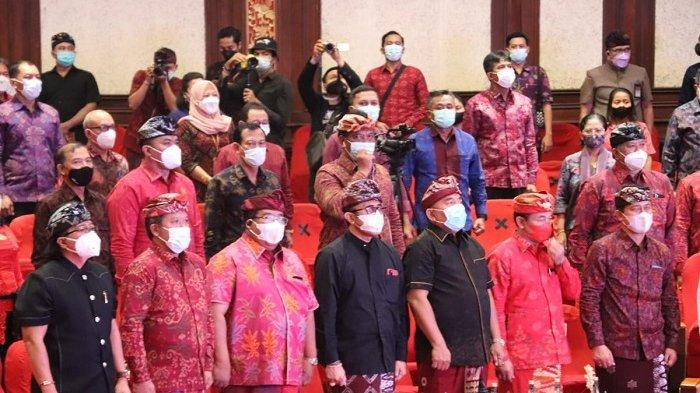 Bupati Giri Prasta Hadiri Pembukaan Bulan Bung Karno III Tahun 2021 Provinsi Bali