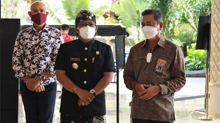 Bupati Giri Prasta Hadiri Serah Terima Jabatan Kepala BPK Perwakilan Provinsi Bali