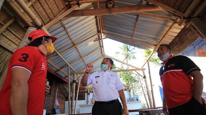 DTW di Pantai Perancak Jembrana Terhempas Puting Beliung, Bupati Artha Bantu Renovasi