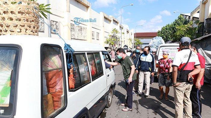 Banyak Pedagang Bermobil Baru Asal Daerah Lain, Pasar Galiran Klungkung Kian Krodit