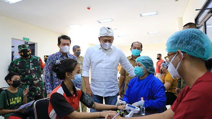 Dampingi Ketua MPR, Bupati Suwirta Sebut Cakupan Vaksinasi Covid-19 di Klungkung Sudah 96 Persen