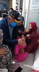Update KMP Yunicee: Tangis Aurel Pecah di Dekapan Bupati Tamba, Ibu Meninggal, Ayah Belum Ditemukan