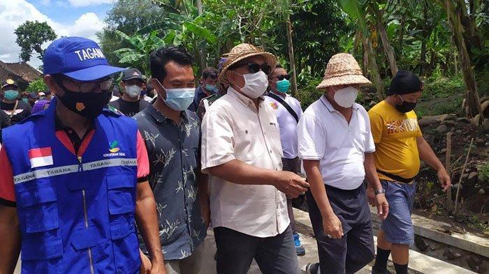 Bupati Terpilih Nengah Tamba Kunjungi Warga Terdampak Banjir Bandang di Pekutatan Jembrana