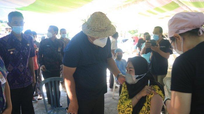 Rangkaian Hari Buruh, 400 Pekerja Pabrik di Desa Pengambengan Jembrana Bali Dapat Vaksin Covid-19