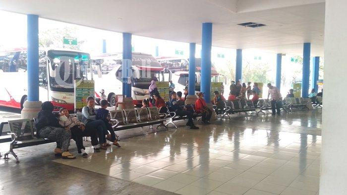 Tiket Pesawat Masih Mahal Jelang Idul Fitri, Penumpang Terminal Mengwi Melonjak, Siap-siap Rebutan