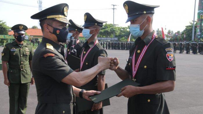 Kodam IX/Udayana Lantik 465 Prajurit Lulus Dikmata TNI AD