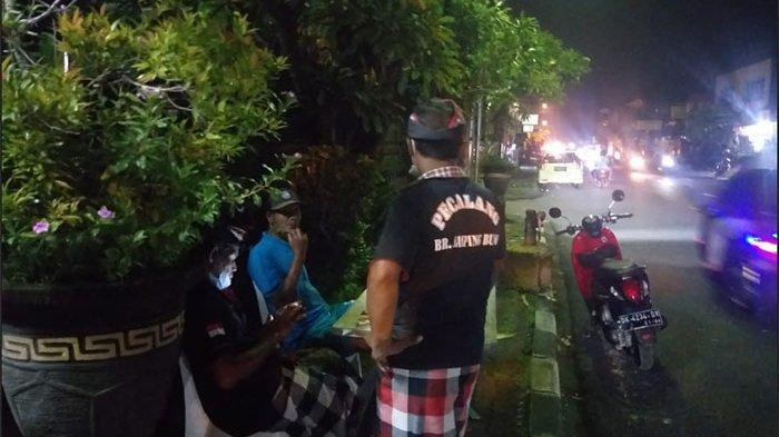 Cegah Penularan Covid-19, Desa Pemecutan Kelod Denpasar Bali Rutin Laksanakan Patroli Wilayah