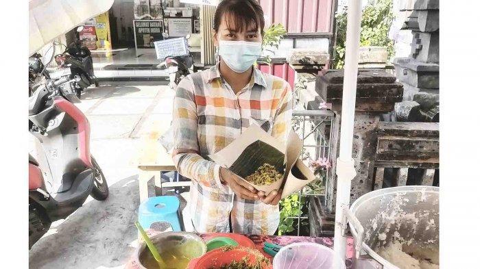 Laris Manis, Cening Sugiantini Pedagang Bubur Bali di Seroja Denpasar Habiskan 6 Kg Beras Perhari