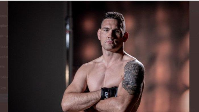 UFC 261: Ngilu, Kaki Chris Weidman Patah Lawan Uriah Hall, GOAT MMA Sampaikan Pesan Menyentuh