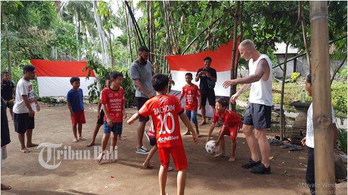 Tak Terduga, Comvalius dan VDV Kunjungi Anak-anak di Banjar Wanayu, Terharu Lihat Video di Instagram