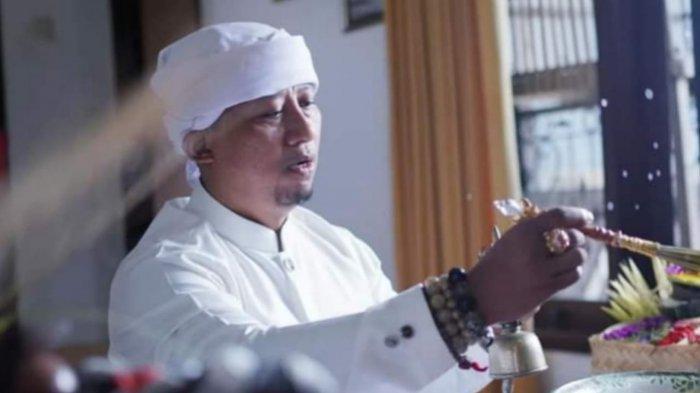 Kisah Jero Bayu Gendeng, Pernah Dikubur Hidup-hidup 6 Jam hingga Ikut Audisi The Master