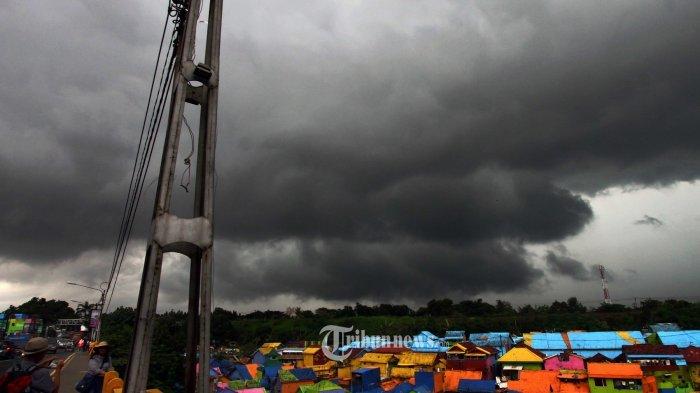 PERINGATAN Dini Cuaca 18 Juli 2021, Sejumlah Wilayah di Indonesia Berpotensi Terjadi Cuaca Ekstrem
