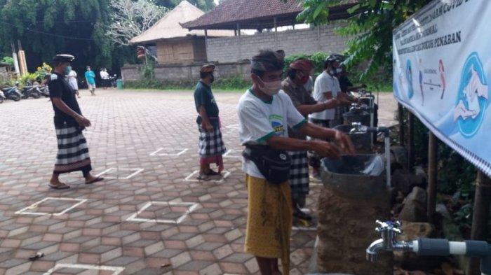 Desa Adat Dukuh Penaban Terapkan Pararem untuk Cegah Covid-19