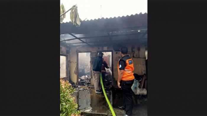 Diduga Berasal dari Dupa, Satu Warung dan 2 Rumah Terbakar di Peguyangan Denpasar