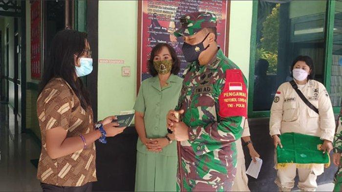 Dinilai Berjiwa Sosial Tinggi, Mahasiswi di Denpasar Ini Dapat Hadiah Sepeda Motor dari TNI