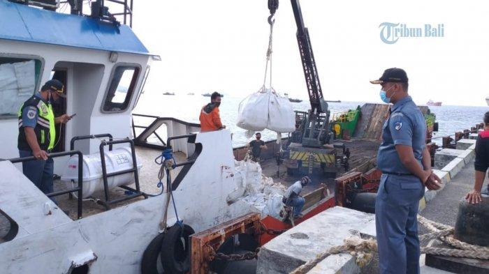 Jalani Docking, Pelayaran KMP Mutiara Ferindo Rute Tanah Ampo Menuju Gili Mas Dihentikan Sementara