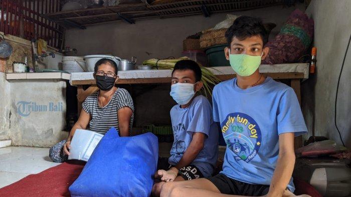 Perjuangan Raka Rawat Dua Anak Disabilitas di Klungkung, Punya Semangat, Walau Dalam Keterbatasan