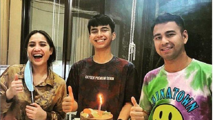 Raffi Ahmad & Ayu Dewi Dibuat Kesal oleh Dimas Ahmad, Gara-gara Para Pewarta Kerubungi si Artis Baru