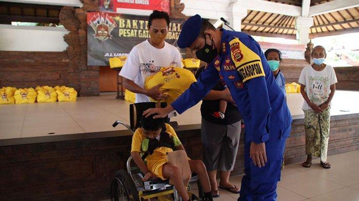 Alumni Akpol Angkatan 1993 Sumbang 2.000 Paket Sembako untuk Warga Bali