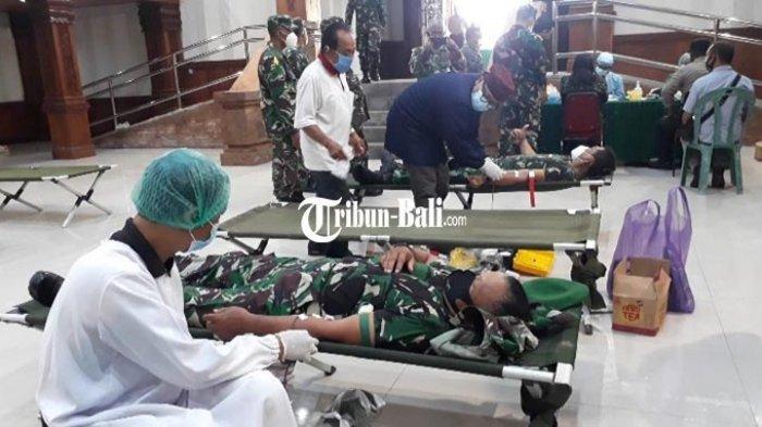 40 Anggota TNI Jembrana Donor Plasma untuk Pasien Covid