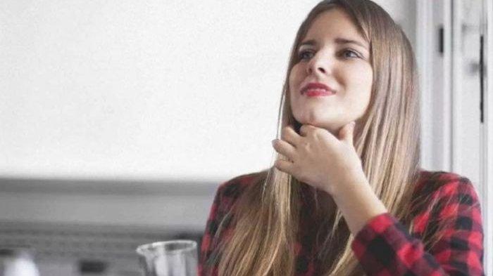 Double Chin Bikin Enggak Pede? Coba 5 Gerakan Yoga Wajah Ini, Teknik Kumur hingga Kencangkan Rahang