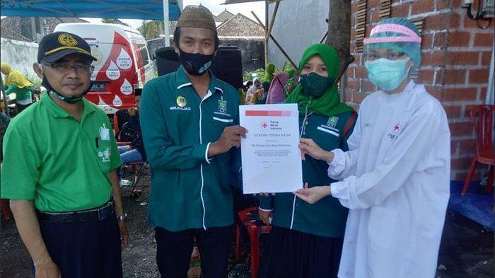Sambut Isra Mi'raj dan Pra Muscab, PKB Denpasar Gelar Donor Darah dan Bagi-bagi Sembako