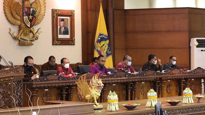 Sampaikan LKPJ 2020, Koster Akui Ekonomi Bali Melambat Akibat Pandemi, Dewan Bali Minta Lakukan Ini