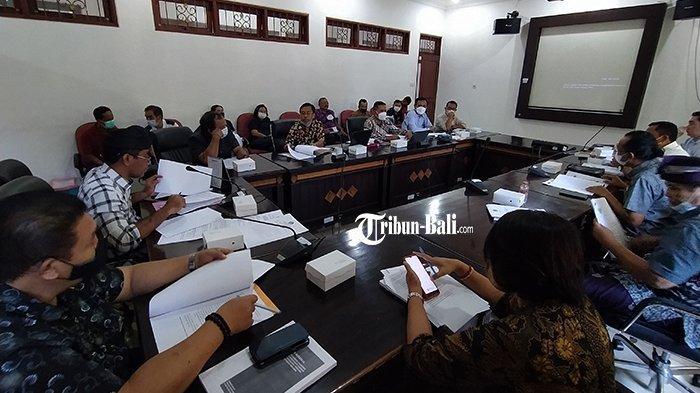 Dewan Buleleng Sepakat Usulkan Ranperda Sistem Pertanian Organik Dalam Rapat Paripurna