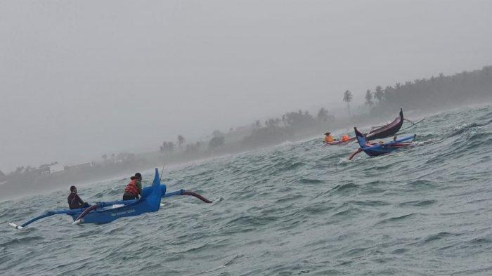 Nelayan Bali Waspadai Cuaca Buruk Tiga Bulan Kedepan, Angin Kencang dan Gelombang Tinggi Menghantui