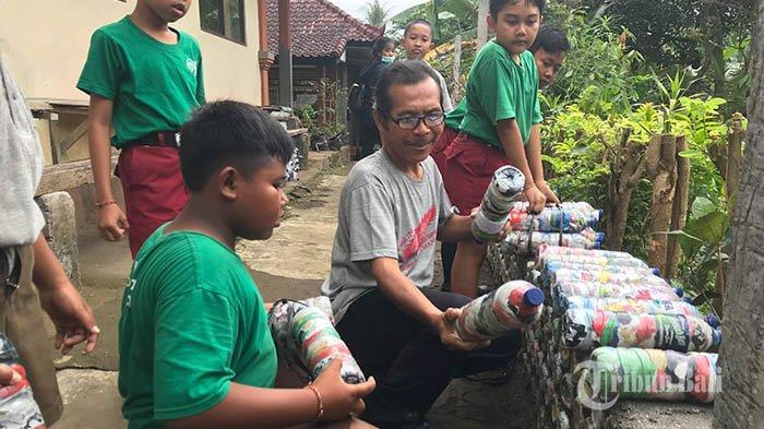 Inovasi SDN 1 Mambang di Tabanan,Olah 15 Ton Sampah Plastik Jadi Ecobrick untuk TembokPenyengker