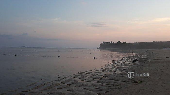 Eksotisnya Senja di Pantai Geger
