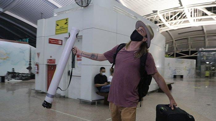 Stres Tak Bekerja Akibat Dampak Covid-19, Stuard WNA  Australia Pilih Pulang ke Negaranya Lewat Bali