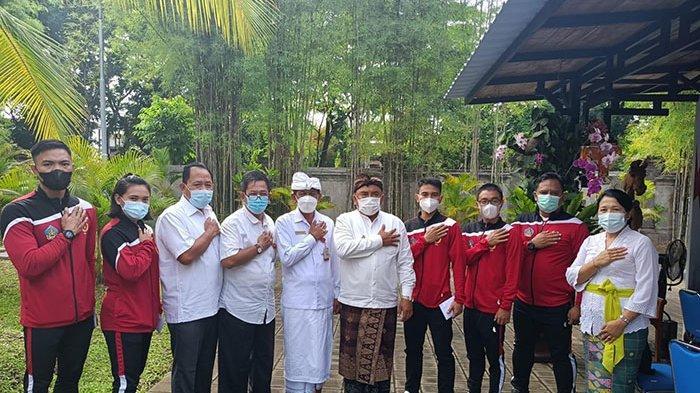 Empat Atlet Jembrana Wakili Bali di PON Papua XX Dilepas Bupati Tamba