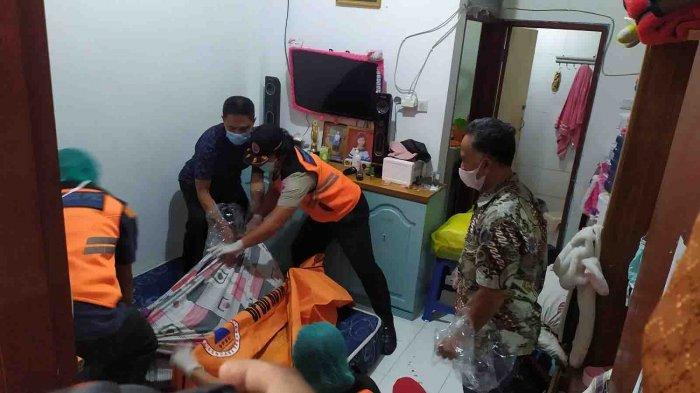 Penemuan mayat laki-laki disalah satu kos di Jalan Pulau Sebatik, Denpasar Barat, Kota Denpasar, Bali pada Senin 24 Mei 2021.