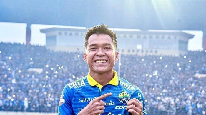 Gemuknya Stok Gelandang Persib Bandung, Erwin Ramdani Tertantang Bersaing dengan Klok dan Rashid