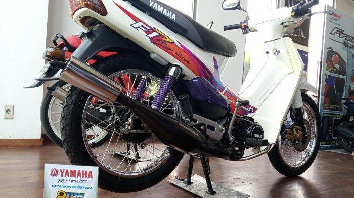 F1Z Putih Terpantau Display di Dealer Yamaha Bali