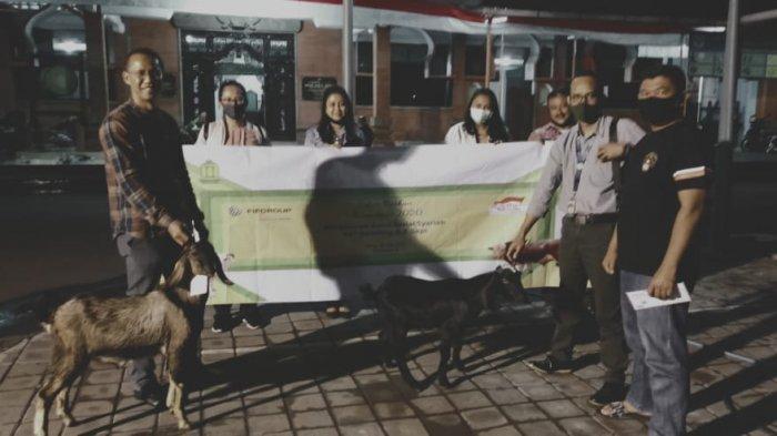 FIFGROUP Salurkan 537 Kurban Kambing dan 2 Sapi Untuk Masyarakat Sekitar