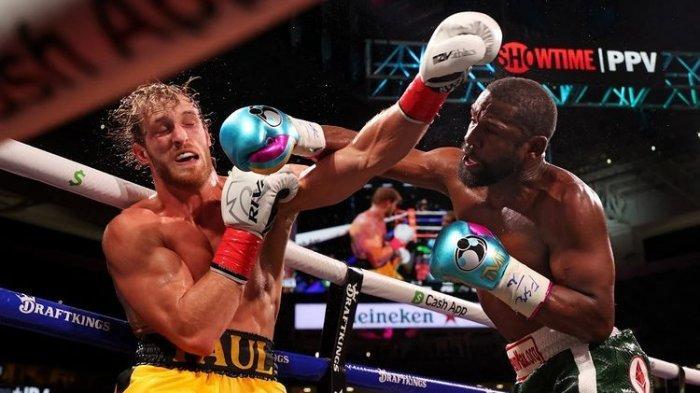 HASIL Tinju Dunia, Floyd Mayweather Gagal Pukul KO YouTuber Logan Paul Meski Dominasi Pertarungan