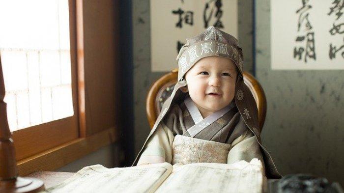 Ciri-Ciri Pertumbuhan Anak Normal dari Nol hingga Satu Tahun
