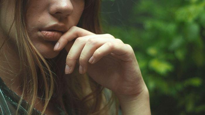 Penyebab Benjolan di Bibir, Mulai Infeksi Virus Hingga Alergi