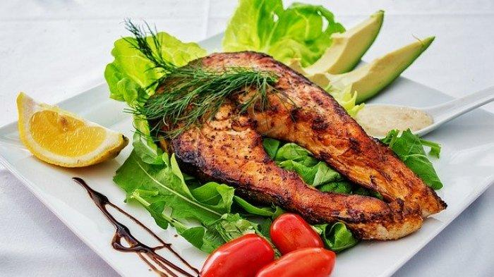 Agar Tubuh Tetap Fit, Berikut 7 Jenis Makanan yang Baik Dikonsumsi Setelah Vaksinasi Covid-19