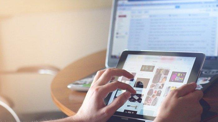 Tanggapan Warga Klungkung Soal Usulan Pengadaan Tablet untuk Dewan: Pakai Smartphone Pribadi Aja