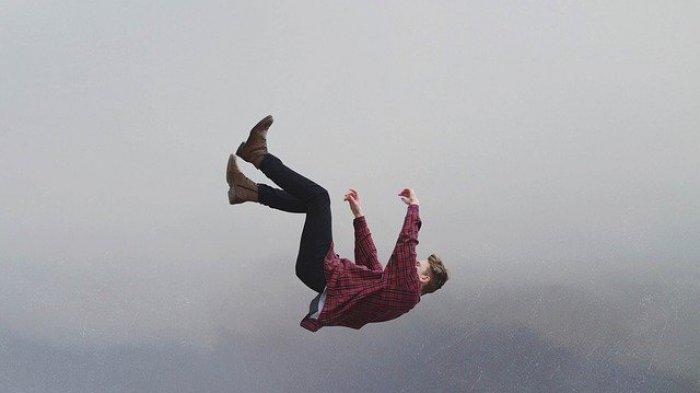 Arti Mimpi Terpeleset, Salah Satu Tanda Sedang Depresi?