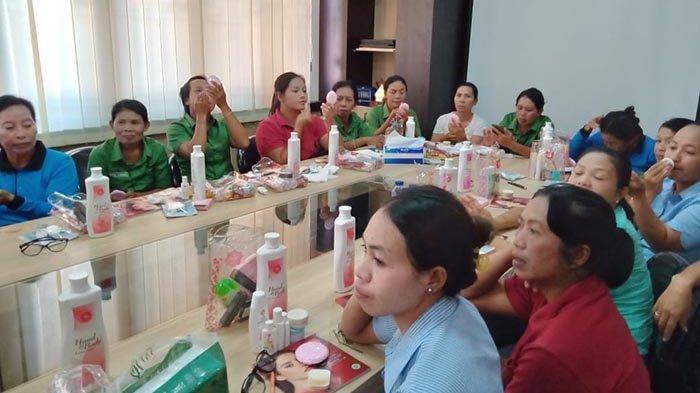 Karyawan Pengelola Pura Luhur Uluwatu dan Labuan Sait Ikuti Beauty Class Training