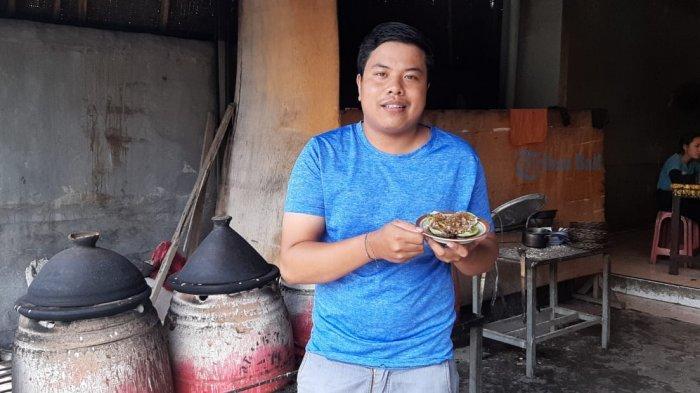 Gede Yadi Pertahankan Resep Turun-temurun Keluarga Lewat Laklak 'Laku 168'
