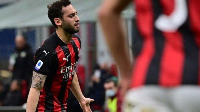 Update Bursa Transfer Liga Italia: Calhanoglu Khianati AC Milan, Gabung ke Rival Sekota Inter Milan