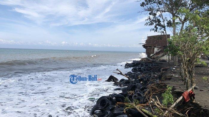 Gelombang Tinggi Hantam Pesisir Pantai Pebuahan Jembrana, Warung dan Rumah Rusak